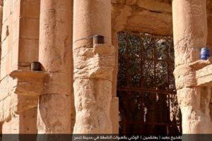 Los acomodaron alrededor del templo Foto:Estado Islámico. Imagen Por: