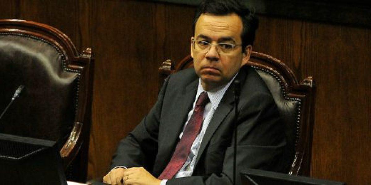 Ministro Céspedes asegura que Chile tiene una economía sólida