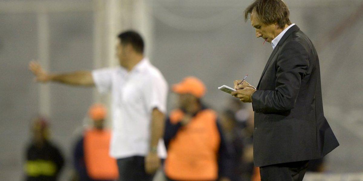 Continuidad de entrenador de Bolivia queda en duda tras revocar al presidente