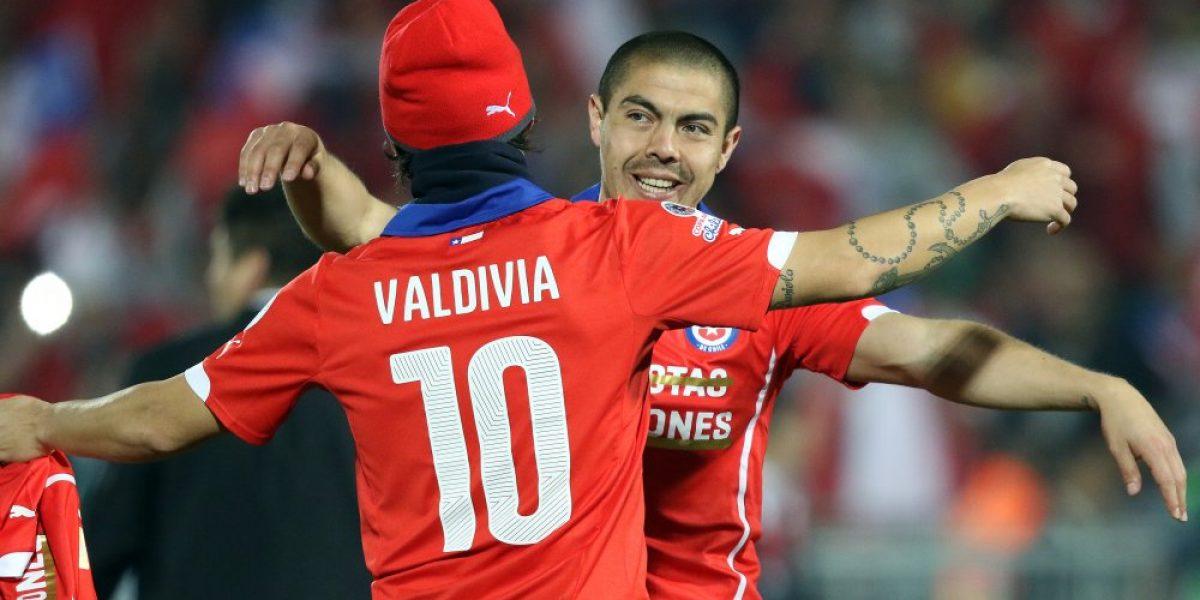 Jorge Valdivia fue presentado como ídolo en Al Wahda: