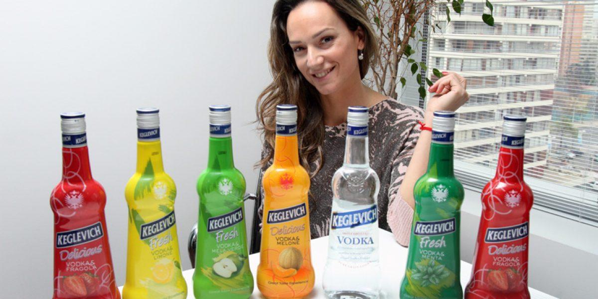 El último golazo de Pinilla: Trajo a Chile el vodka que hace furor en Italia