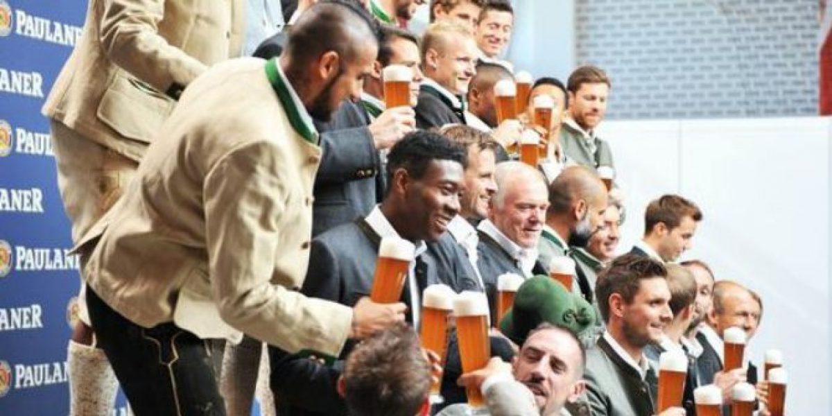 ¡Salud! La entretenida sesión entre cervezas de Arturo Vidal y sus compañeros del Bayern