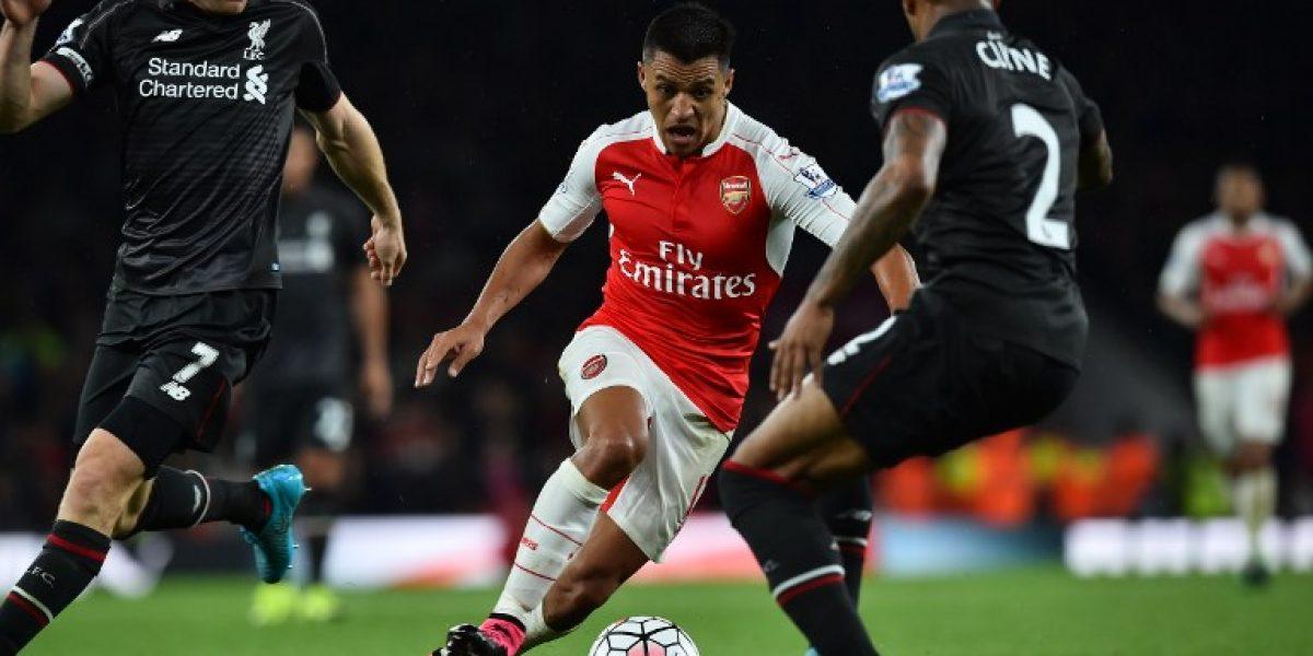 No todo es maravilla: Alexis se gana las primeras críticas en Inglaterra
