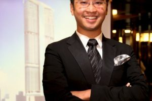20. Adrian Cheng, de 32 años, se volvió en el heredero de la joyería de su abuelo. Foto:Getty Images. Imagen Por: