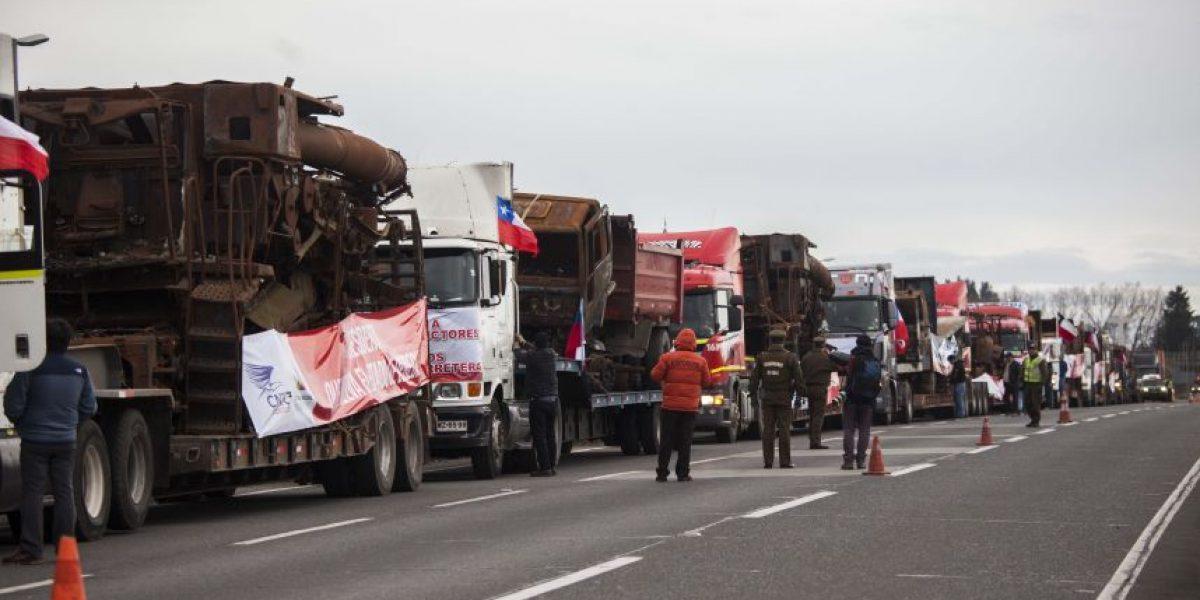 Intendencia entrega propuesta a camioneros para marcha en Santiago