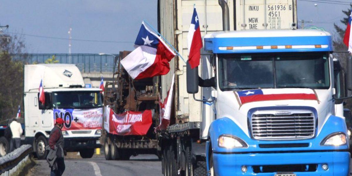 Camioneros rechazan condiciones de Intendencia para marchar por Santiago