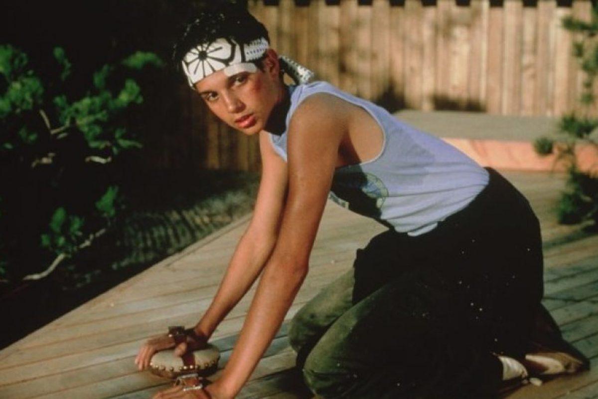 Interpretó a Daniel Laruso, un joven que descubre sus habilidades para el Karate Foto:IMDB. Imagen Por: