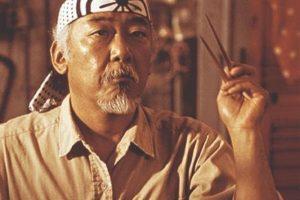 El actor de ascendencia japonesa interpretó al Sr Miyagi. Foto:IMDB. Imagen Por:
