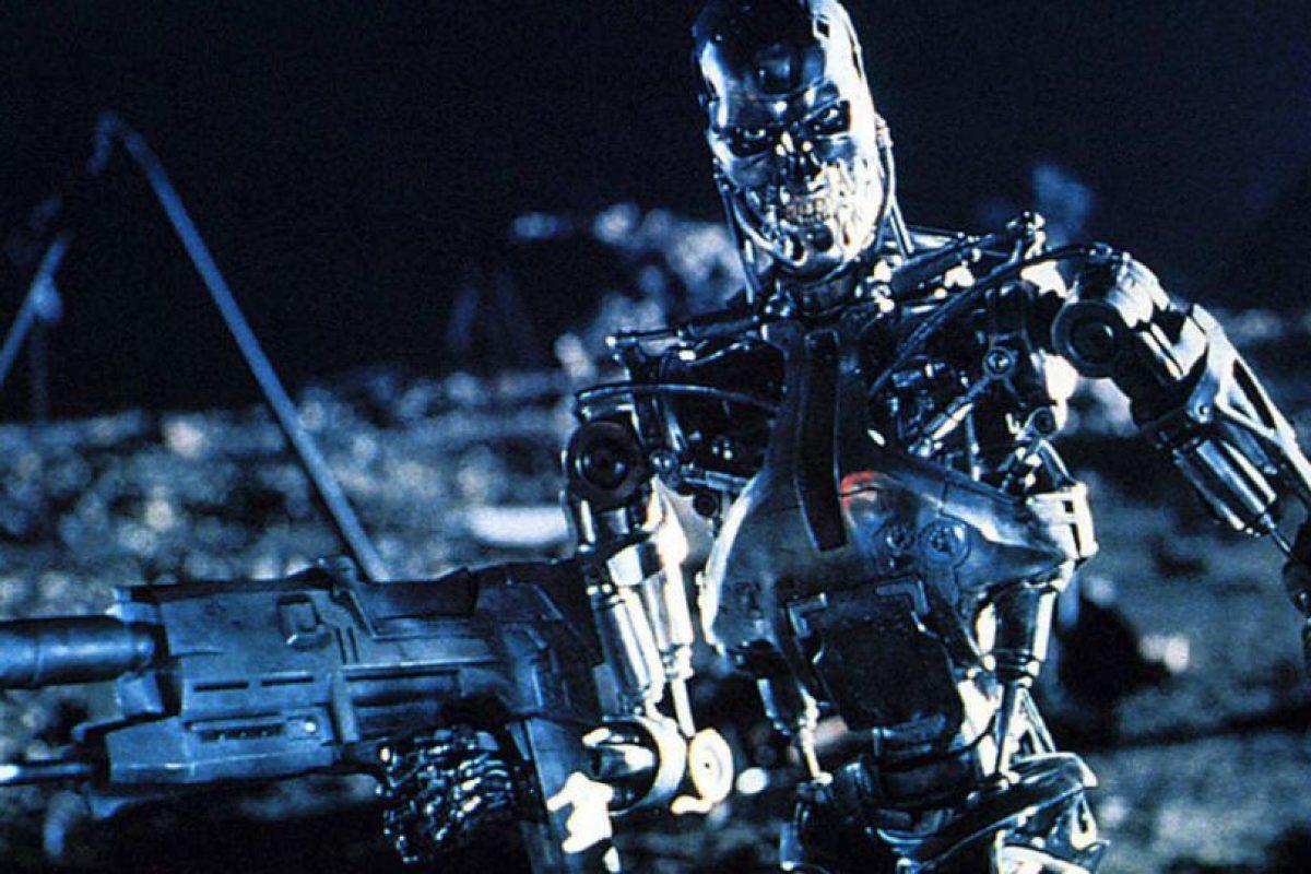 """Los ataques de máquinas han estado en el imaginario colectivo desde hace varios años. Por ejemplo en la película """"The Terminator"""", donde las maquinas buscan al líder humano para destruirlo a través de viajes en el tiempo Foto:James Cameron. Imagen Por:"""