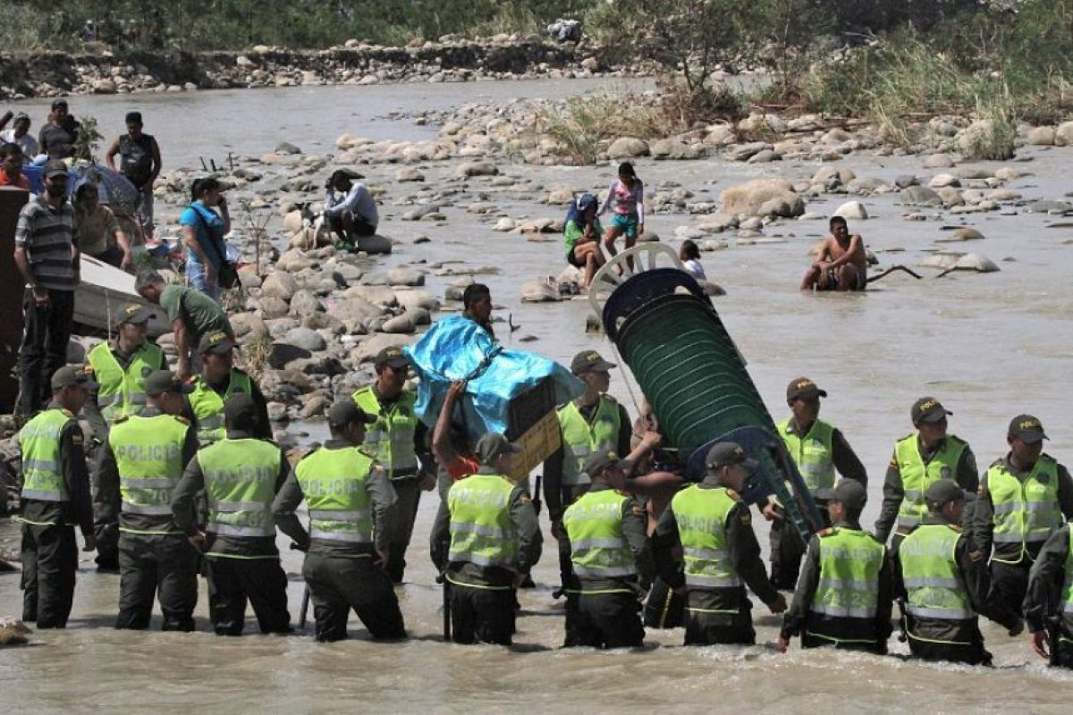 La Cruz Roja Colombiana estima que 4.260 personas adicionales habrían retornado a Colombia de forma espontánea en el marco de esta situación. Foto:AFP. Imagen Por: