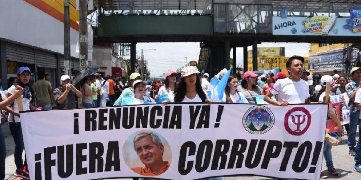 Contraloría General de Guatemala pide renuncia del presidente Pérez