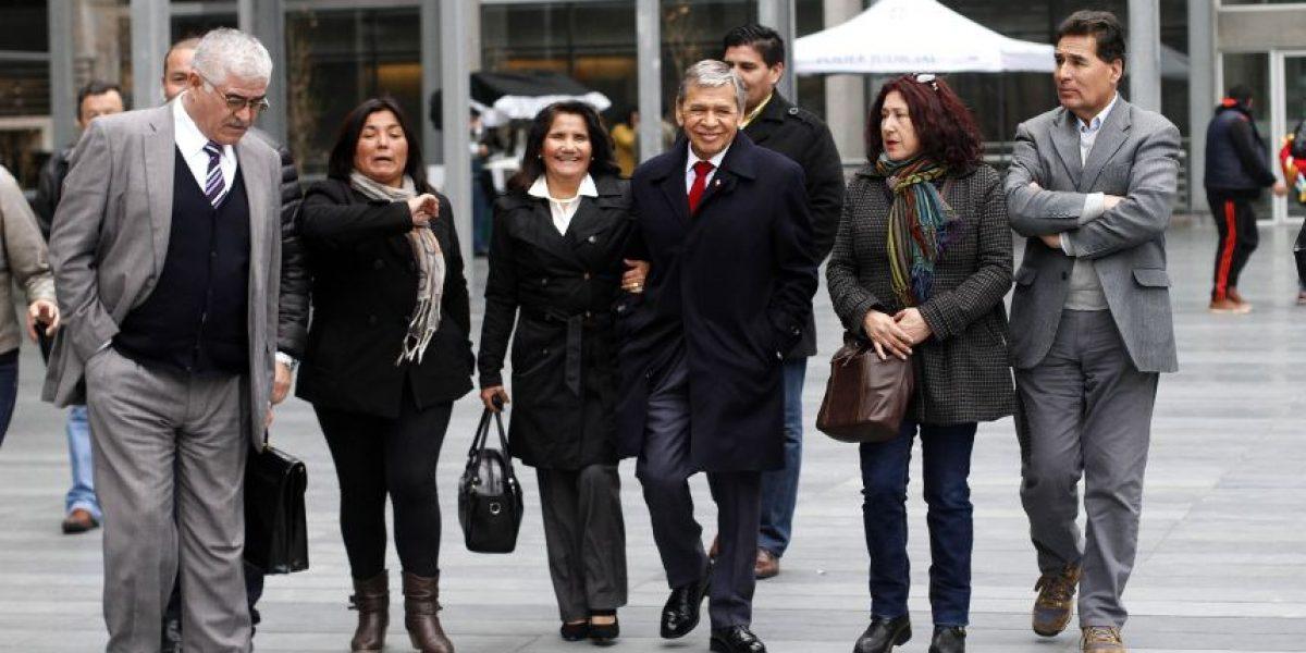 Caso Basura: decretan firma semanal para alcaldes de Maipú y Cerro Navia