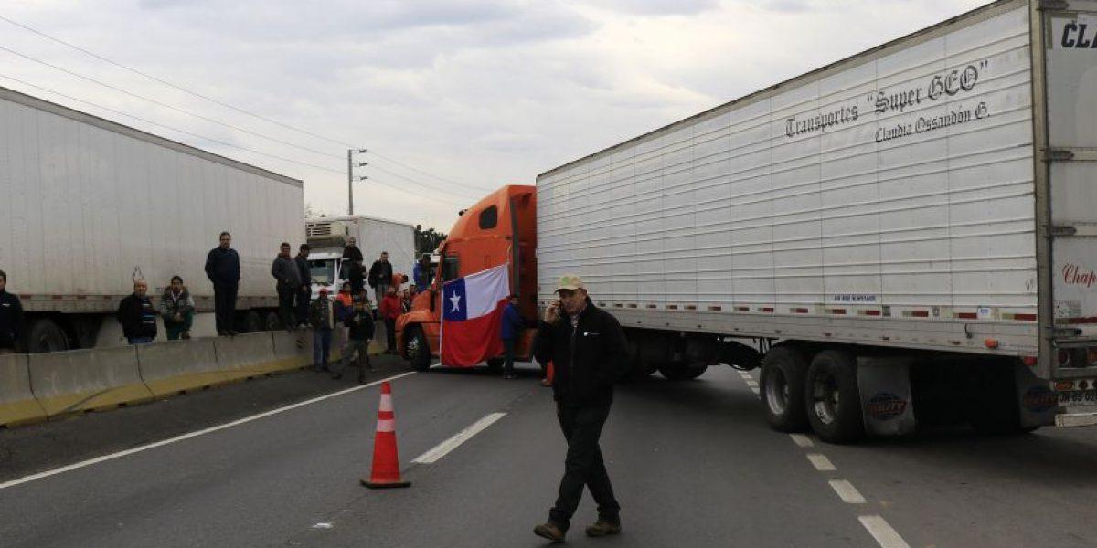 Caravana de camioneros: Esta es la máquina que bloquea el tráfico en la Ruta 5 Sur