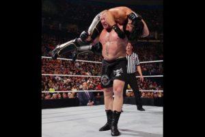 """""""Ronda Rousey es un hombre, una bestia que compite en la división de mujeres de la UFC"""", dijo en una entrevista Foto:WWE. Imagen Por:"""