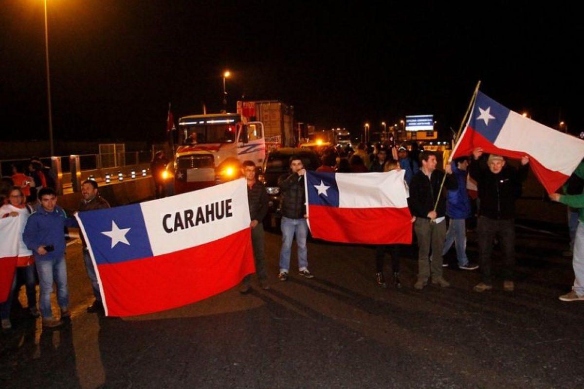 Los camiones que partieron desde Temuco son 13 Foto:Agencia Uno. Imagen Por: