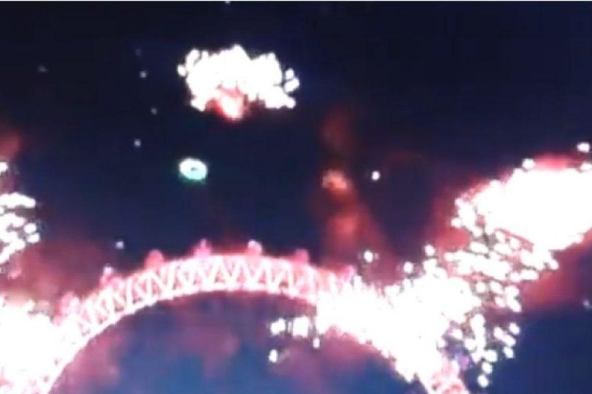 Un supuesto OVNI apareció en los festejos de Año Nuevo en Londres Foto:YouTube – Archivo. Imagen Por: