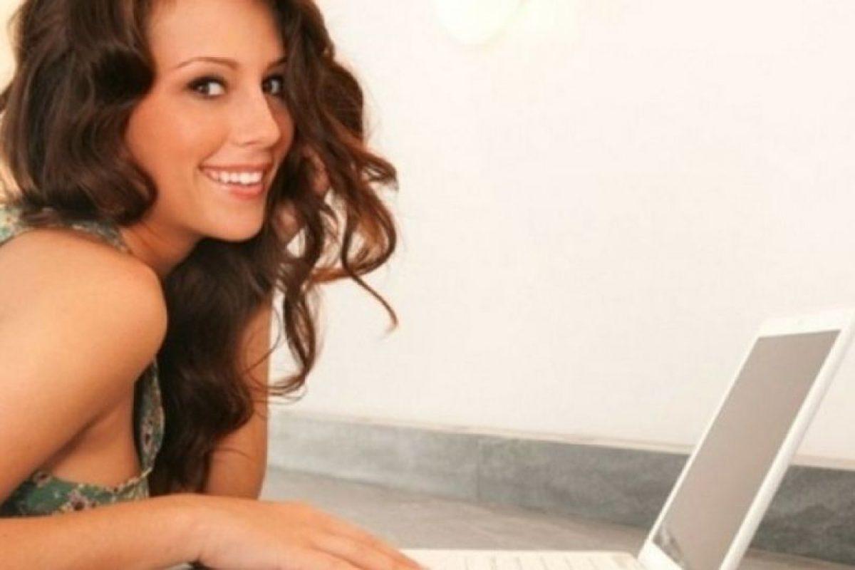Aunque puede resultar tentador, deben informarse antes de ingresar a un sitio de citas. Foto:Pinterest. Imagen Por: