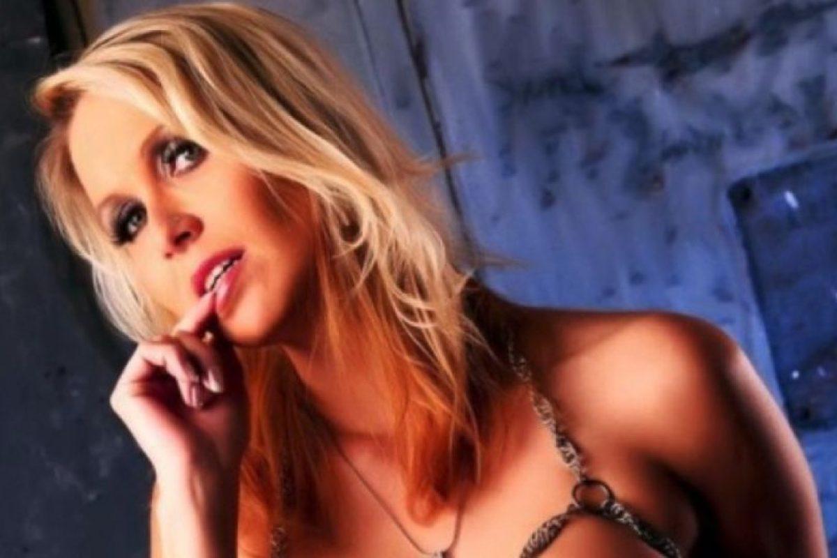 Julia Pink, profesora y estrella del cine para adultos Foto:Facebook.com/Julia.blond. Imagen Por: