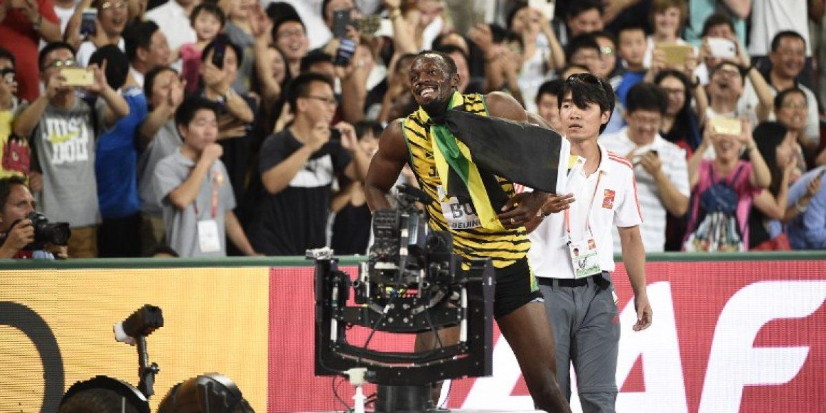 Casi lo lesionan: Al rey Bolt lo