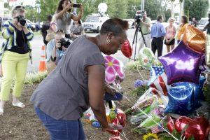 """""""¿Por qué lo hago? Dejé el depósito de un arma el 19 de junio de 2015. La matanza en la Iglesia de Charleston sucedió el 17 de junio de 2015"""", escribió Williams, refiriéndose a la matanza de nueve personas afroamericanas en Carolina del Sur, el cual fue perpetrado por Dylan Roof por motivos raciales. Foto:Getty Images. Imagen Por:"""