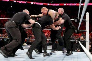 El excampeoón de la WWE también consiguió el cetro en su paso por la UFC Foto:WWE. Imagen Por: