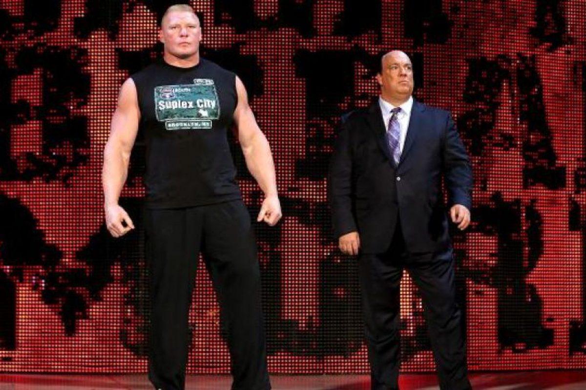 Sin importar sus éxitos o fracasos no se ha despegado de Paul Heyman Foto:WWE. Imagen Por: