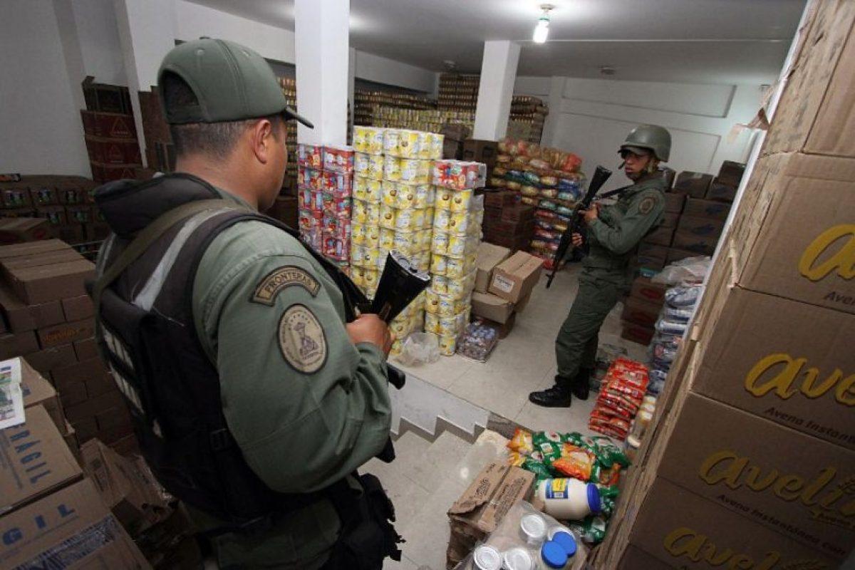 """El 20 de agosto Nicolás Maduro decretó el cierre de la frontera con Colombia en el estado de Táchira, después de que tres militares venezolanos y un civil fueron atacados en la población de San Antonio del Táchira, hecho calificado por Caracas como """"una emboscada de paramilitares"""". Foto:AFP. Imagen Por:"""