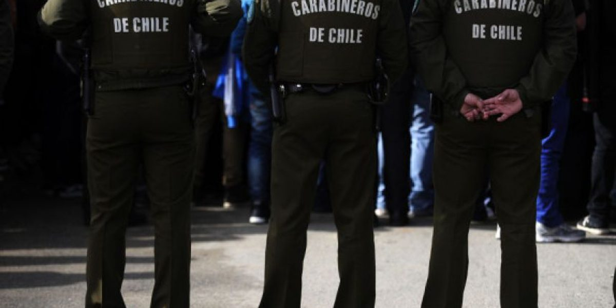 Buscan a capitán de Carabineros que mantenía autos robados en casa