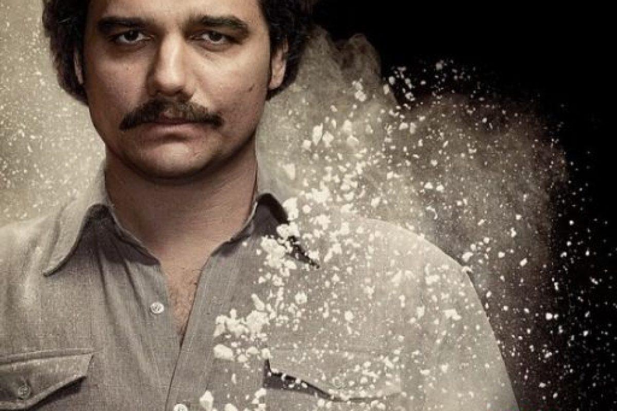 Y este es el look de Moura como Pablo Escobar. Foto:vía instagram.com/narcos. Imagen Por: