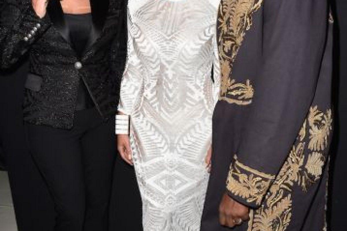 La madre de Kim Kardashian y su esposo protagonizaron un divertido momento en el Instagram de Khloe Kardashian. Foto:Getty Images. Imagen Por: