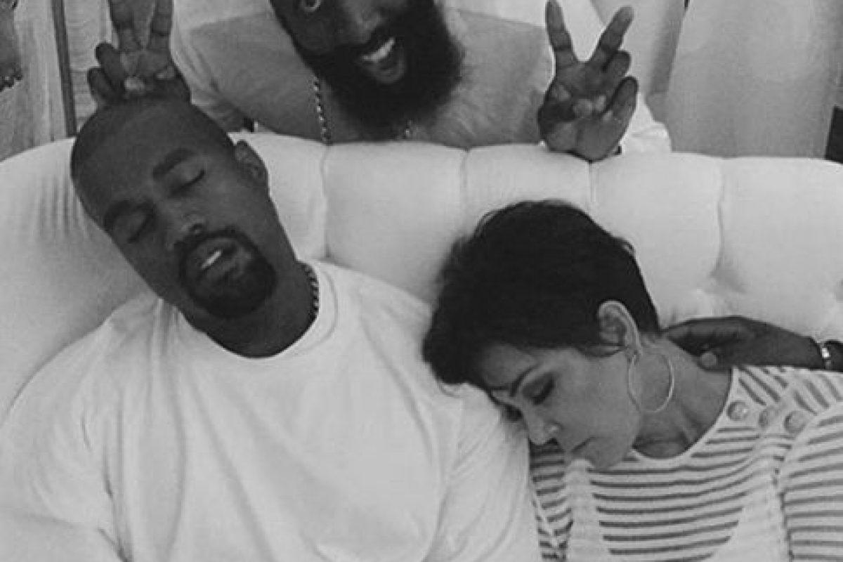 Ellos simplemente fueron retratados mientras dormían y la foto se volvió viral. Foto:vía instagram.com/khloekardashia. Imagen Por: