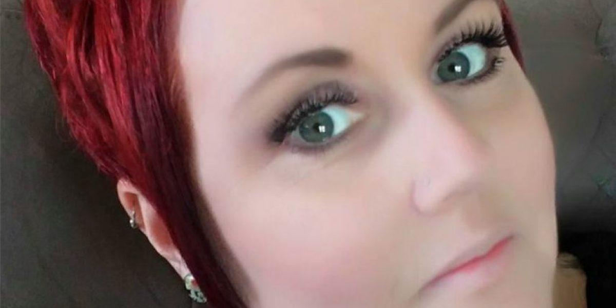 Mujer se hizo piercing en el oído y curó sus migrañas