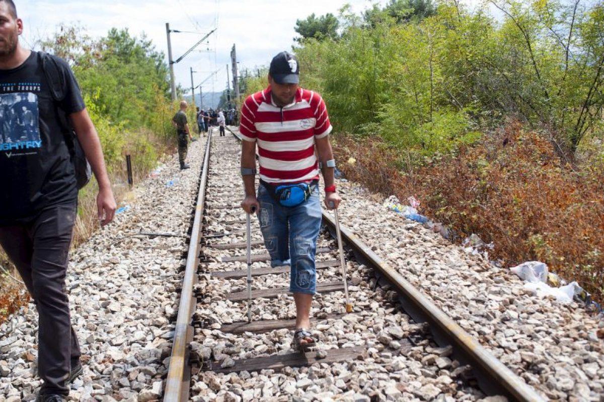Migrantes en la frontera de Macedonia y Grecia. Foto:AFP. Imagen Por: