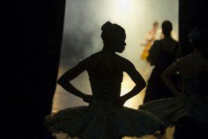 Bailarina en Sudáfrica. Foto:AFP. Imagen Por: