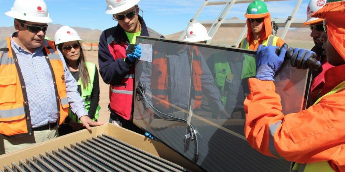 Ministro Osorio visitó obras de futura planta solar fotovoltaica más grande de Latinoamérica