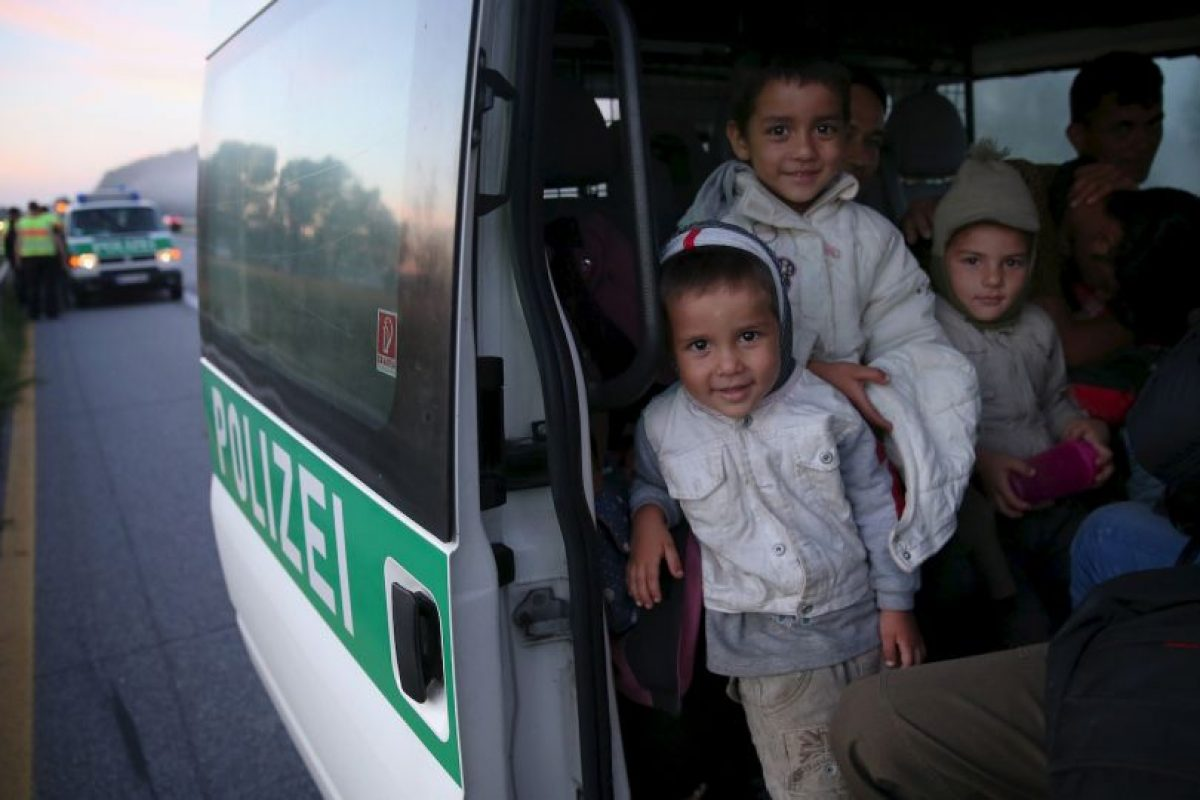 Sólo en el último mes han cruzado las fronteras de la Unión Europea, por mar o tierra, un total de 107mil 500 migrantes, según datos deBBC Foto:Getty Images. Imagen Por: