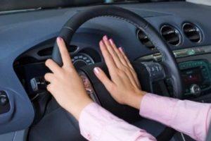 Según cifras de la Organización Mundial de la Salud, cada año mueren aproximadamente 400 mil jóvenes menores de 25 años en accidentes automovilísticos. Foto:Pinterest. Imagen Por: