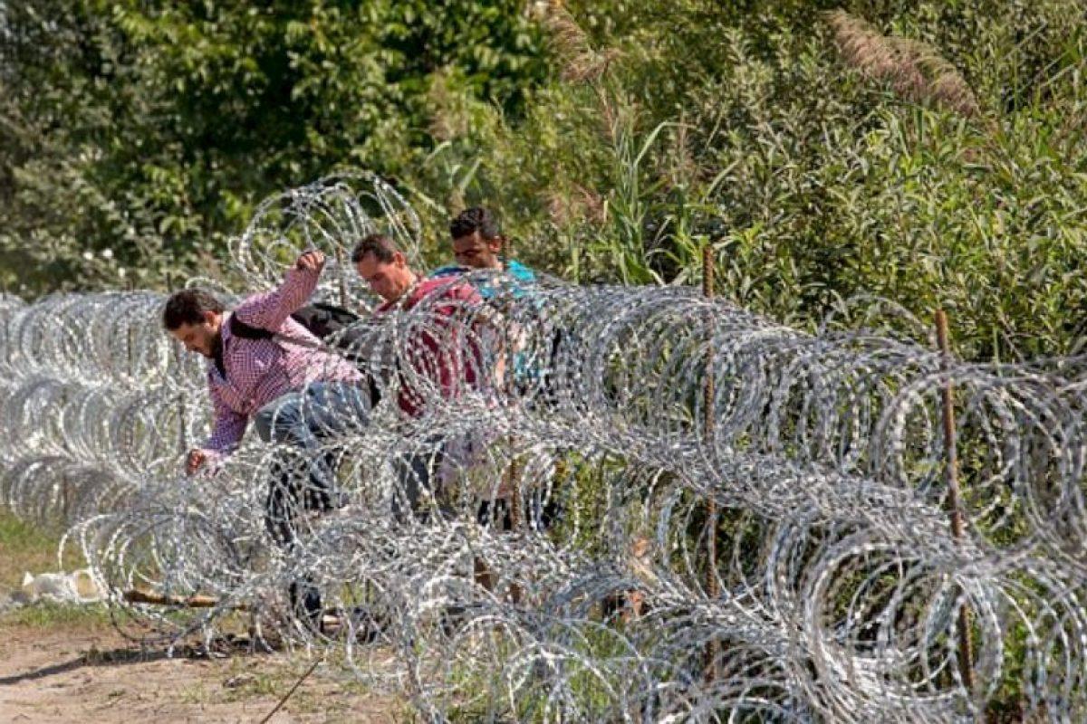 Los niños fueron hallados un día después de que las autoridades encontraran 71 cuerpos abandonados. Foto:Getty Images. Imagen Por: