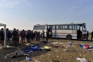 La policía cree que su intención es no enfrentar la deportación a Hungría. Foto:AP. Imagen Por: