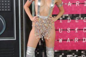 No. Verse como stripper galáctica no ha sido lo peor. Y como recordar es vivir, pueden ver otros looks de la cantante que fueron peores. Foto:vía Getty Images. Imagen Por:
