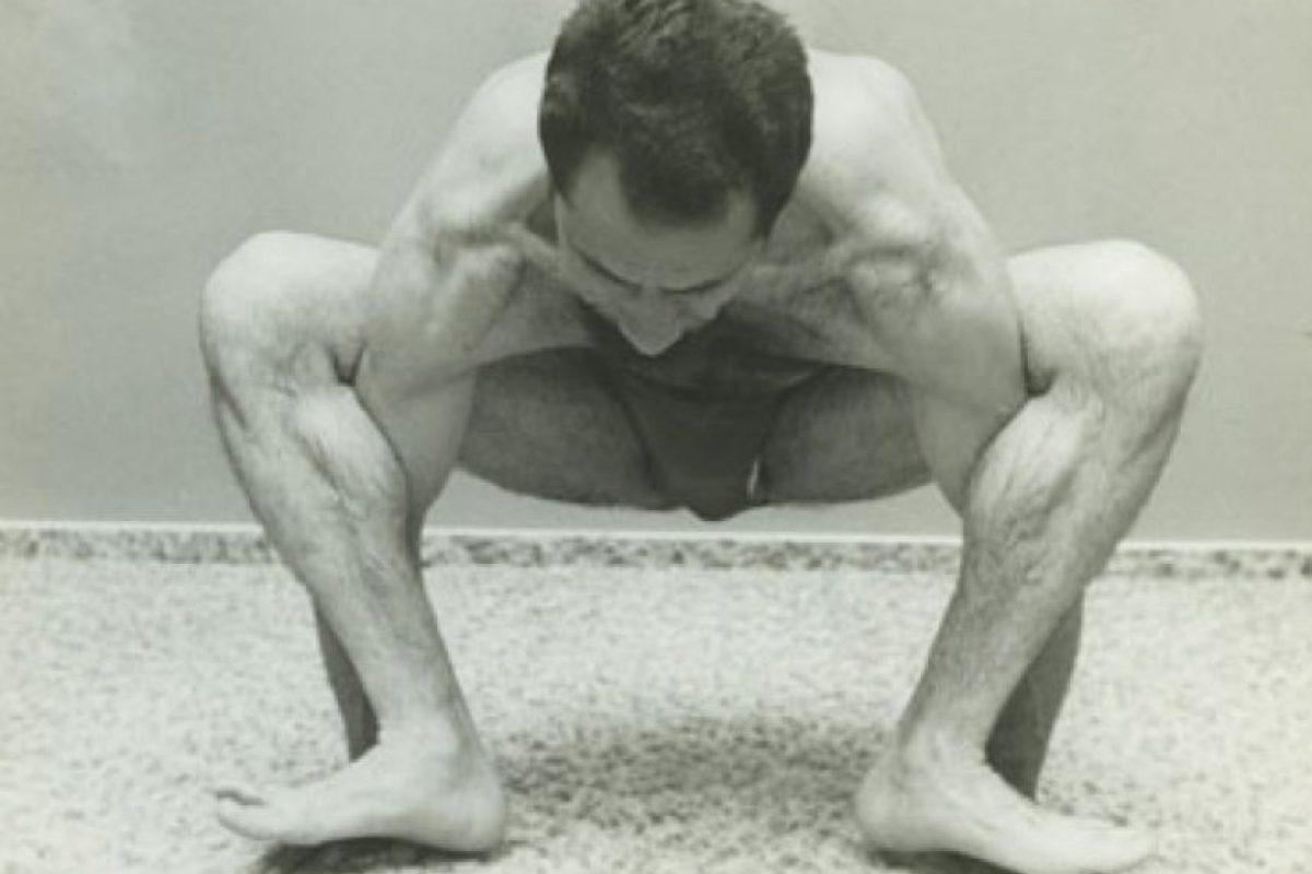 Dice que mantiene una apariencia juvenil a sus 95 años debido a que practica yoga todos los días. Foto:Vía Yogikazim. Imagen Por: