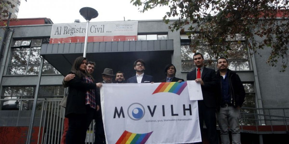 Movilh: es un hito el matrimonio igualitario celebrado en embajada británica