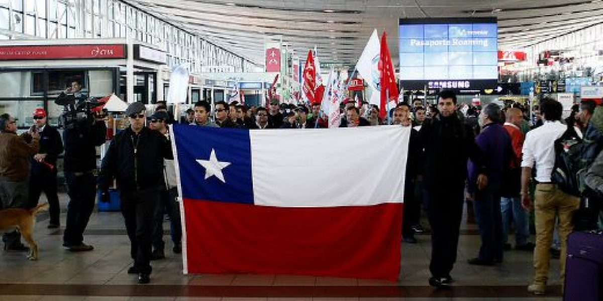Gobierno intenta mantener diálogo ante paro de terminal aéreo