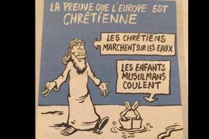 """La viñeta dice """"La prueba de que Europa es cristiana: los cristianos caminan sobre el agua, los niños musulmanes se sumergen"""" Foto:Reproducción. Imagen Por:"""