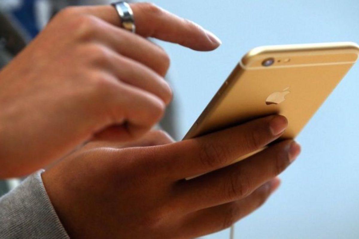 """Apple dijo que """"en un pequeño porcentaje de los dispositivos iPhone 6 Plus, la cámara iSight tiene un componente que puede fallar causando que sus fotos se vean borrosas"""". Foto:Getty Images. Imagen Por:"""