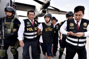 Debido a que no podían realizar la captura en territorio extranjero, contactaron con autoridades ecuatorianas Foto:Vía Twitter.com/mininterperu. Imagen Por: