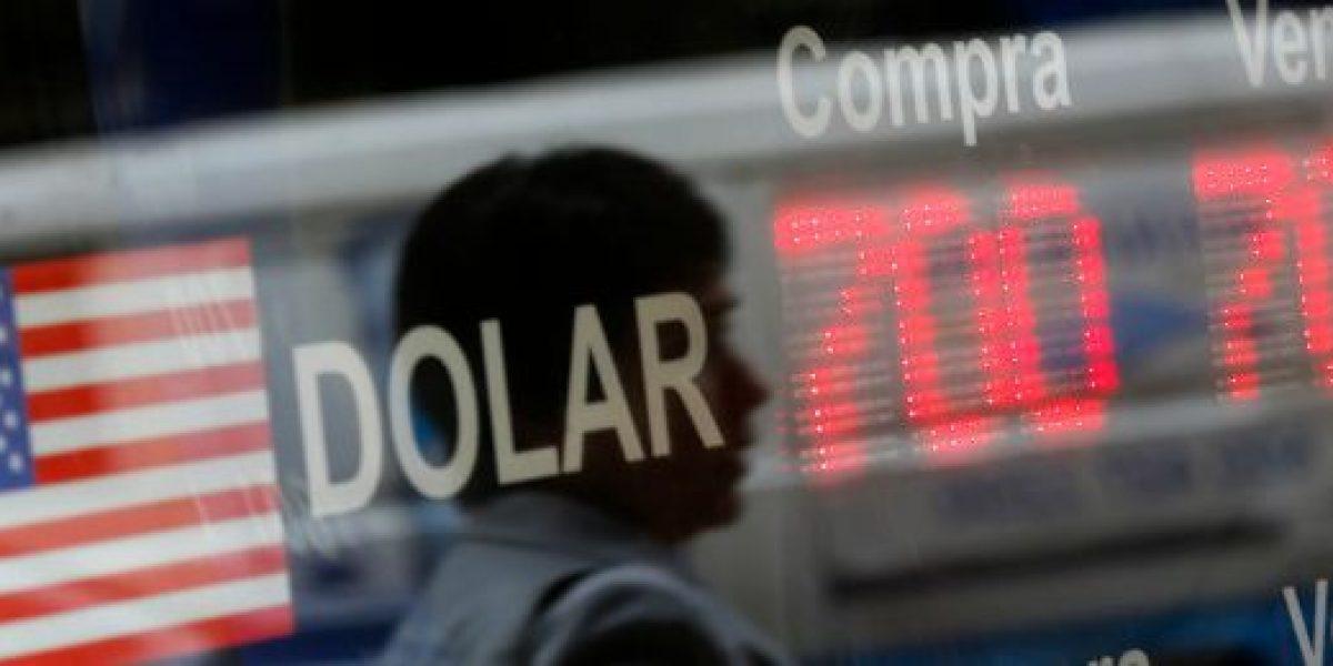 Dólar parte transacciones a la baja