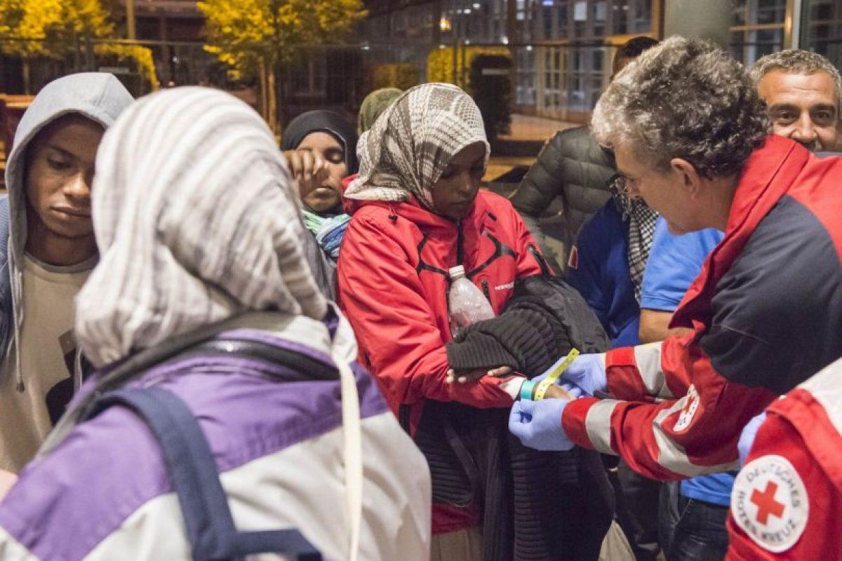 El gobierno alemán decidió el domingo cerrar temporalmente las fronteras a migrantes. Foto:AP. Imagen Por: