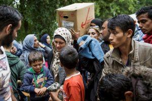"""""""Muchas de las personas que rescatamos huyen de la guerra, la opresión y la tortura; otras, de la pobreza, la persecución y las violaciones de los derechos humanos. Todas ellas quieren una vida mejor y más segura"""", destaca MSF. Foto:Getty Images. Imagen Por:"""