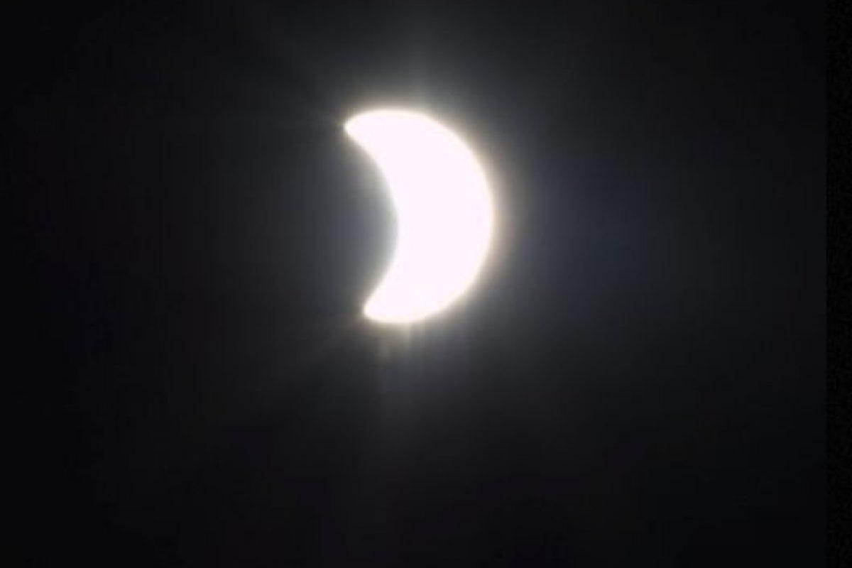 El eclipse solar del 20 de marzo, captado desde la Estación Espacial Internacional Foto:Instagram.com/NASA. Imagen Por: